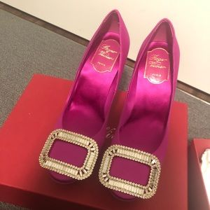 New roger vivier crystal pump euro 36